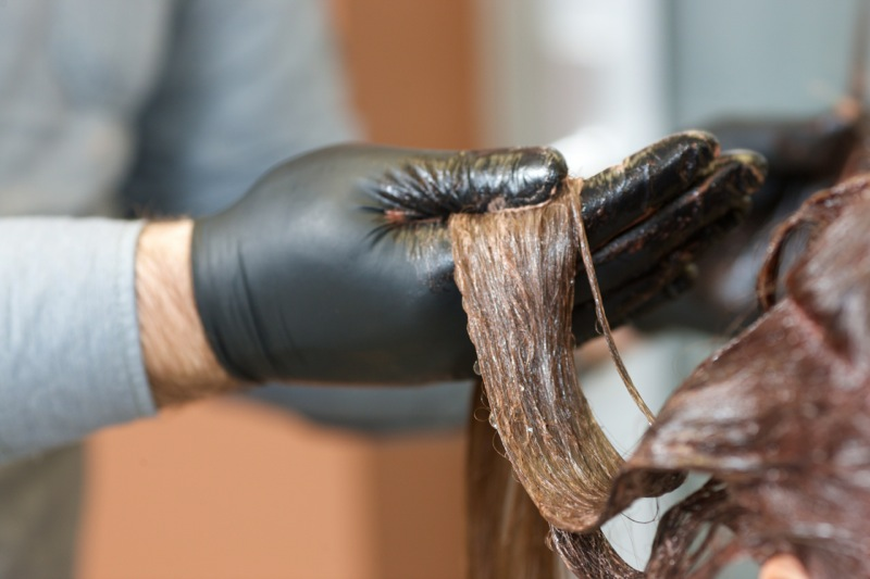 DHC「Q10 クイックカラートリートメント」で白髪を染める効果を倍以上にする方法をご紹介!